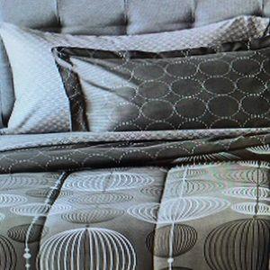 EUC Twin/XL Comforter/Sheet Set